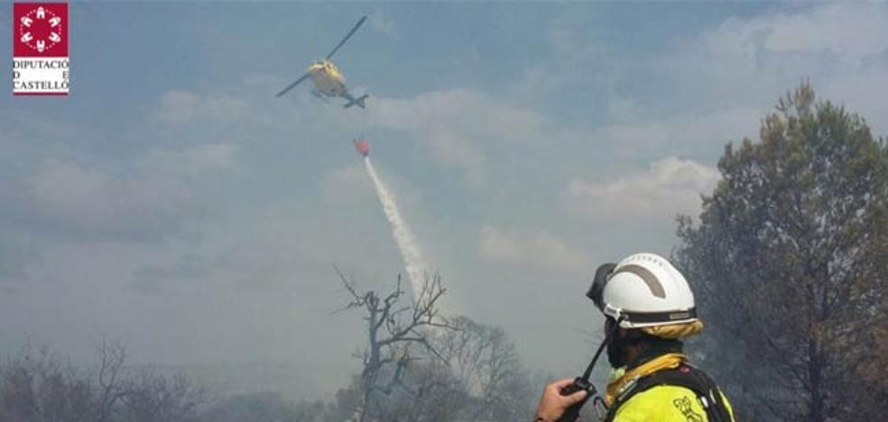 Controlados los dos incendios forestales de Turís y Cervera del Maestre