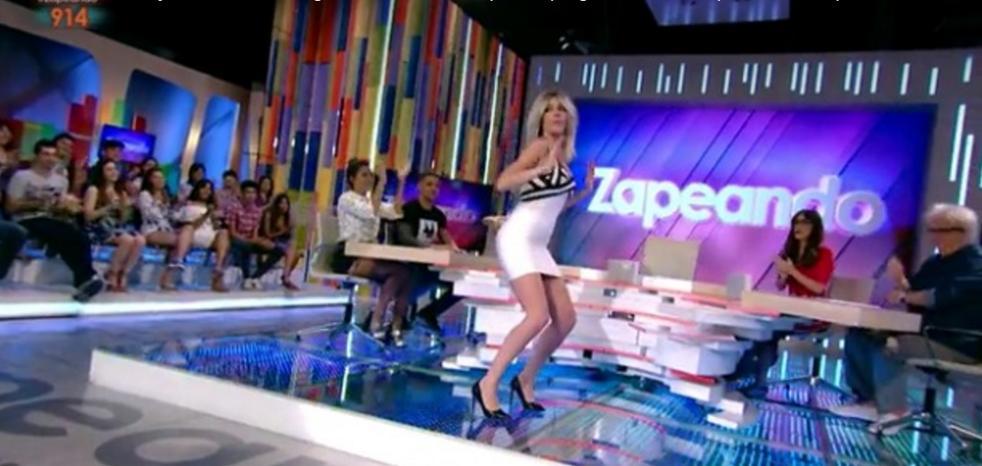 El sexy twerking de Anna Simon que calienta 'Zapeando'