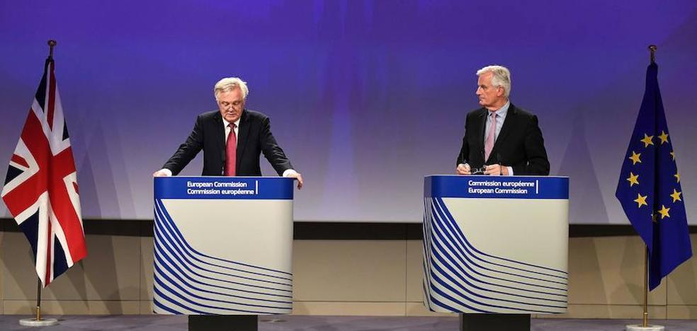 La UE reprocha la poca «claridad» británica en la factura del 'Brexit'