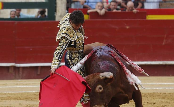 Fotos de la primera corrida de toros de la Feria de Julio de Valencia 2017