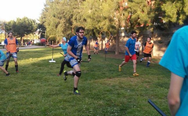 El 'quidditch' despega en Valencia y lucha por ser reconocido como deporte