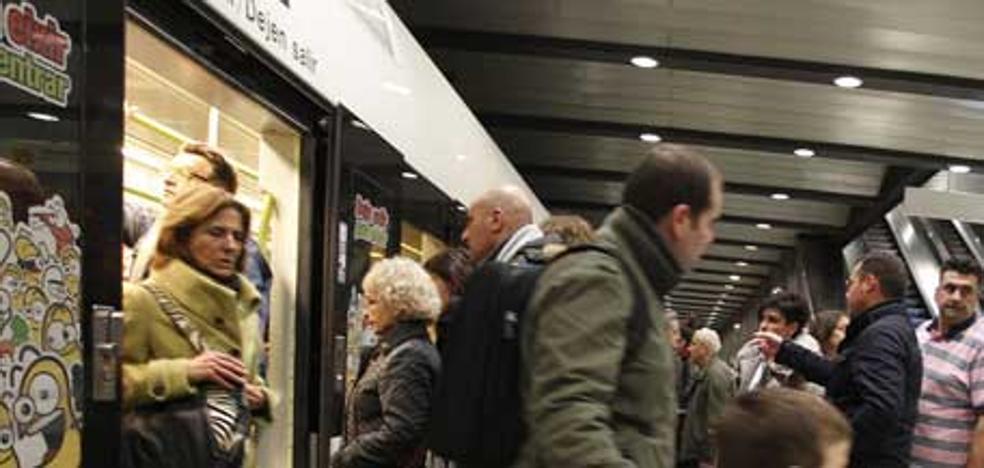 Cierran al público la estación de metro de Colón de Valencia durante 20 minutos por una maleta abandonada