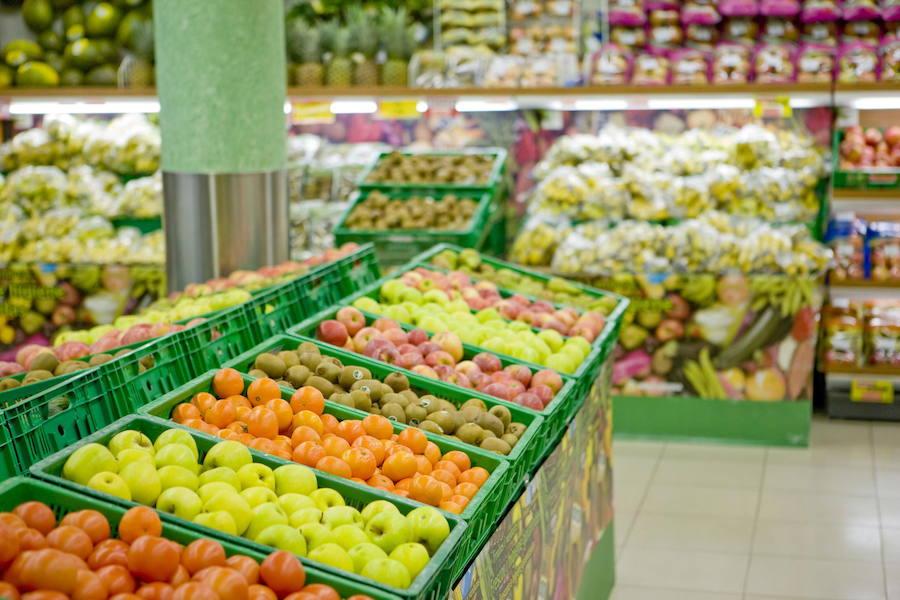 Mercadona empieza a pesar las frutas, verduras y panes en la caja