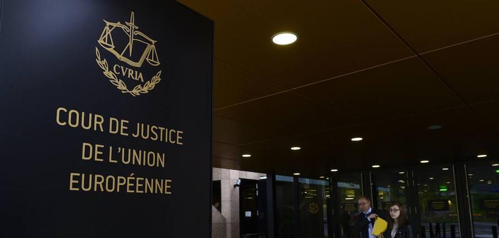 La justicia europea censura el intercambio de datos entre pasajeros de Canadá y la UE