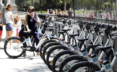 Ir en bicicleta al trabajo reduce el riesgo de estrés hasta el 52%