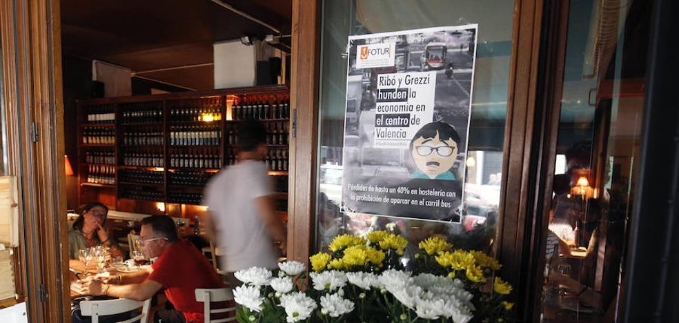 La Federación de Ocio y Turismo pide más frecuencia de metros ante la prohibición de aparcar en el carril bus de Valencia