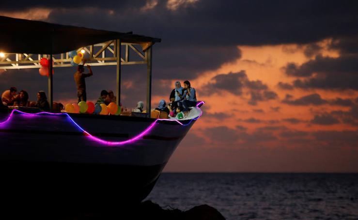 El Lolo Rose, un barco reconvertido en restaurante en Gaza