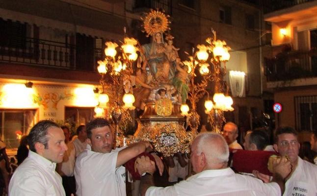 Serra rinde honores a su patrona, la Mare de Déu dels Àngels