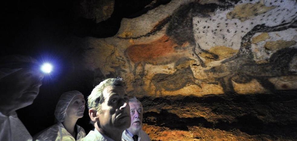 Los turistas buscan refugio en las cavernas para combatir ola de calor en Francia