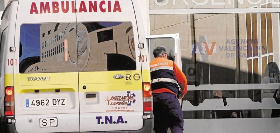Cuatro heridos, uno de ellos un bebé de 2 años, en un accidente entre un coche y una furgoneta en Oliva