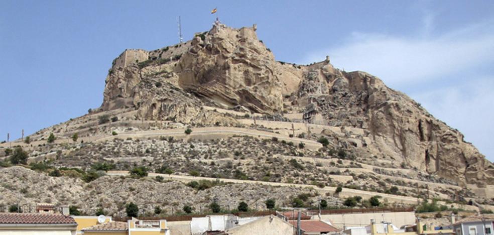 Investigan la caída desde el castillo de Santa Bárbara de Alicante de una joven indocumentada y no reclamada en dos días