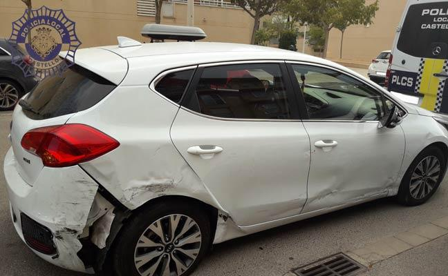 Un menor de 17 años causa un accidente con un coche que conducía sin permiso en Castellón