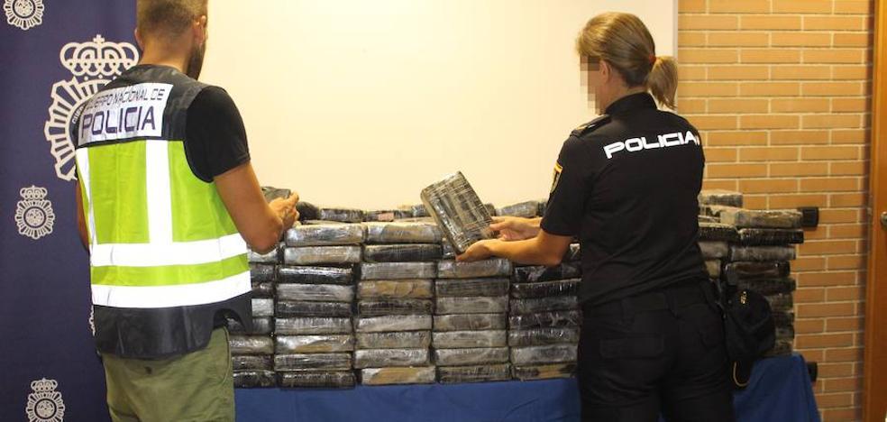 Detenido en Xirivella un conductor con 482 kilógramos de cocaína que huyó de un control policial
