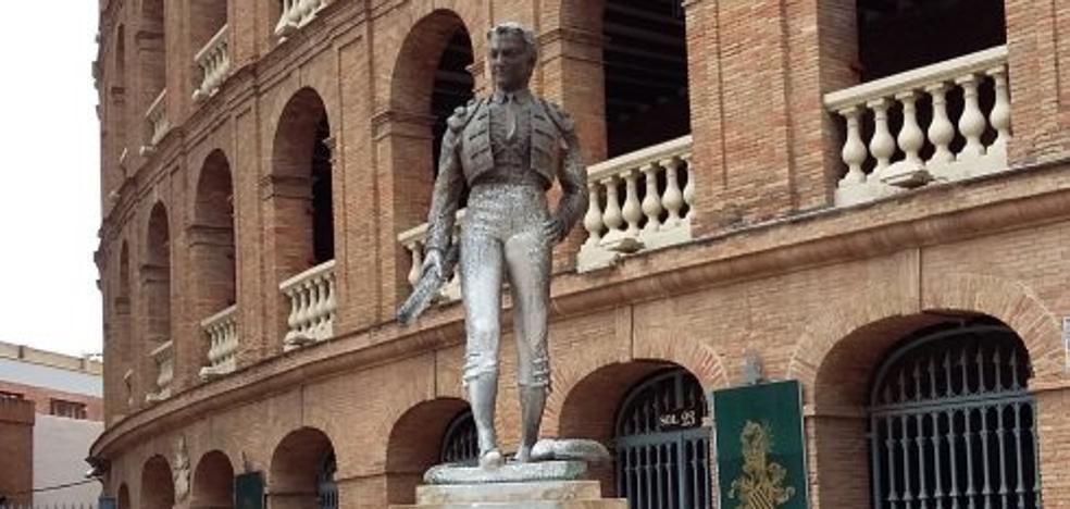 Valencia carece de contrata para la limpieza de monumentos
