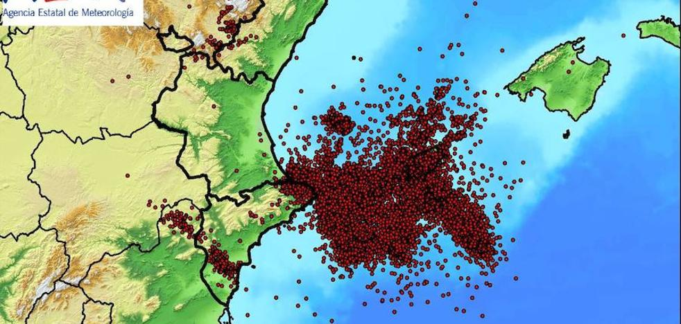 La tormenta deja 24.436 rayos, la mayoría entre la costa alicantina e Ibiza