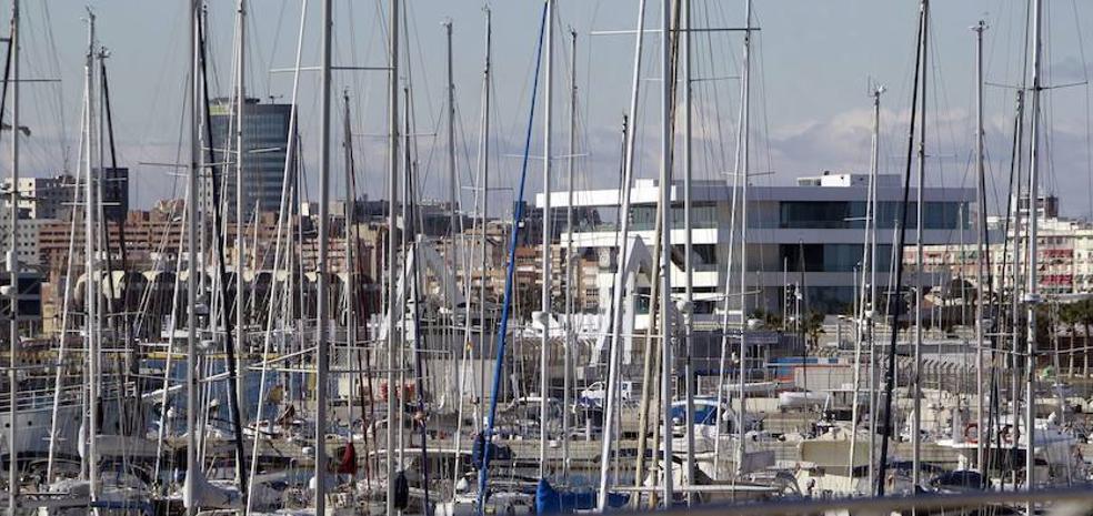 La Marina de Valencia refuerza la gestión para el cobro a morosos de 680.000 euros por amarres