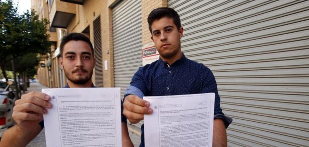 «Nos encerraron dentro de una caseta del Arenal para darnos una paliza»