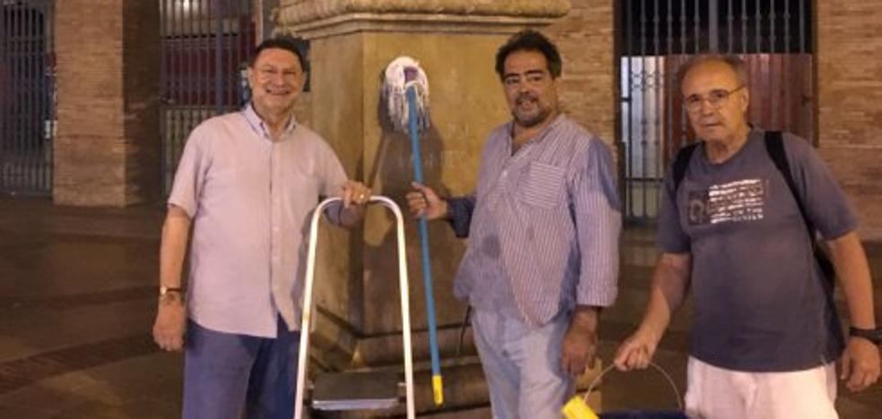 Cultura estudia sancionar a los que limpiaron la estatua del banderillero Montoliu
