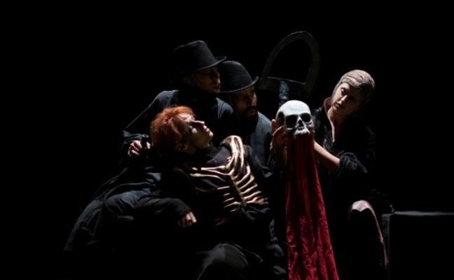 'Dead Hamlet' en escena