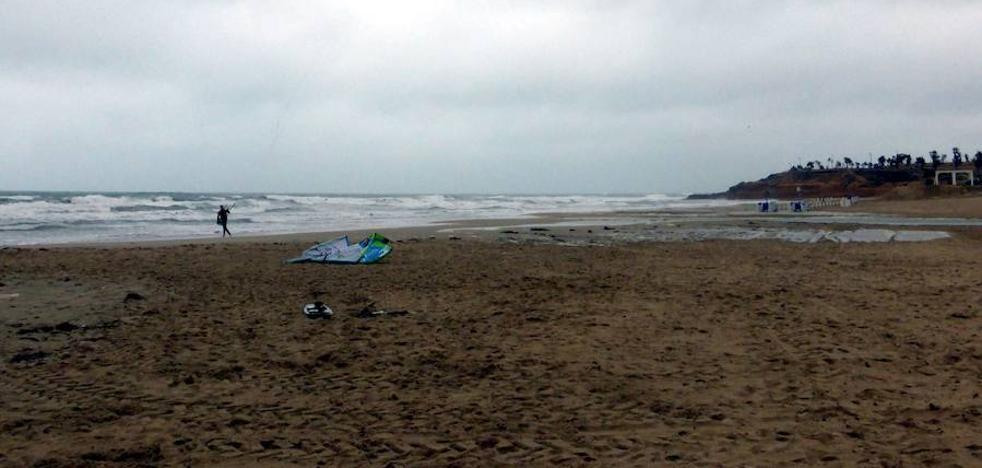 Dos ancianos mueren ahogados en una playa de Pilar de la Horadada y una cala de Torrevieja