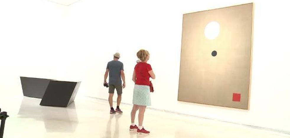Eclosión de arte abstracto en el IVAM con un recorrido por 150 piezas de su colección