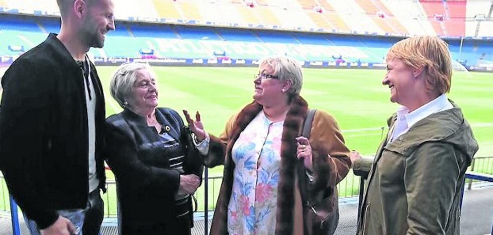 'Ellas' rinde homenaje a las árbitras de fútbol