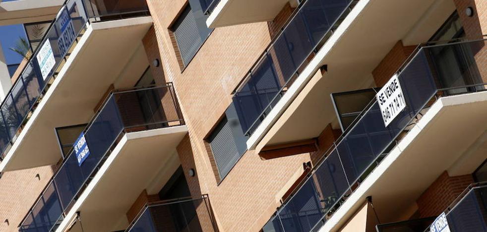 Detenidas en Alicante una madre y su hija por una estafa inmobiliaria de más de 100.000 euros