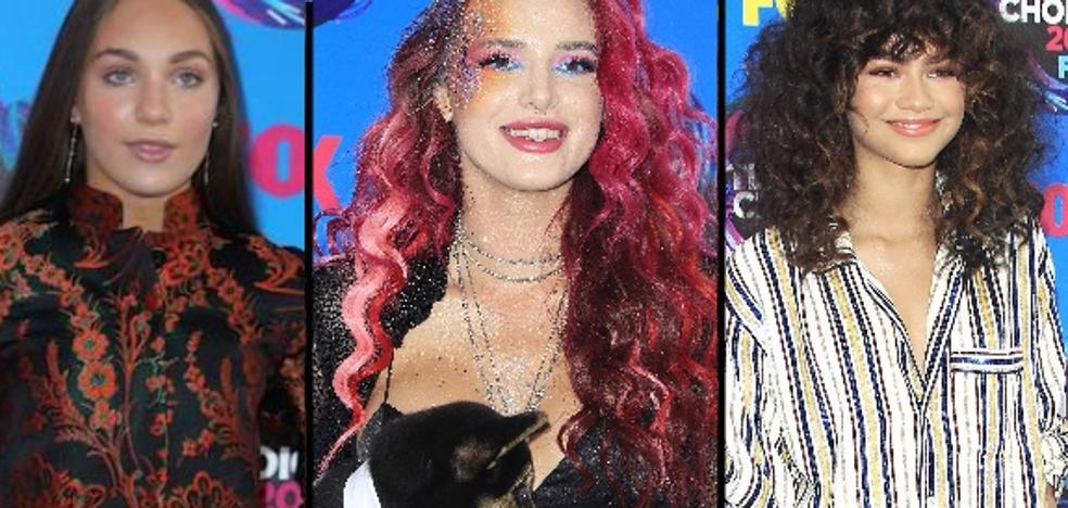 Los looks de la alfombra roja de los 'Teen Choice Awards' de 2017