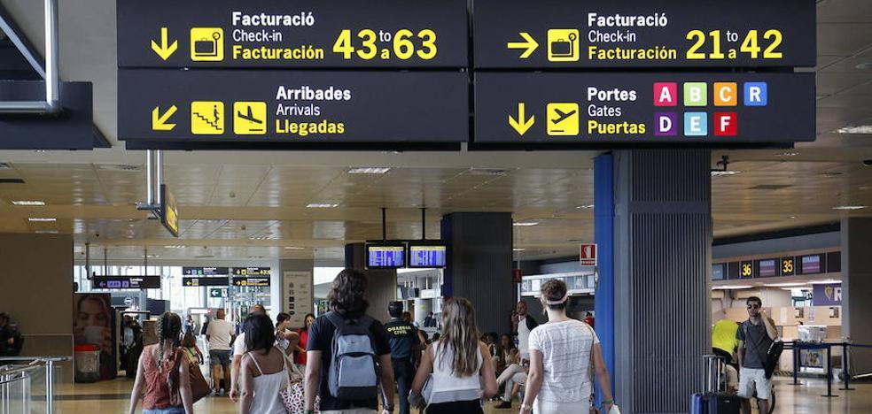 El personal de Prosegur del aeropuerto de Valencia amenaza con ir a la huelga