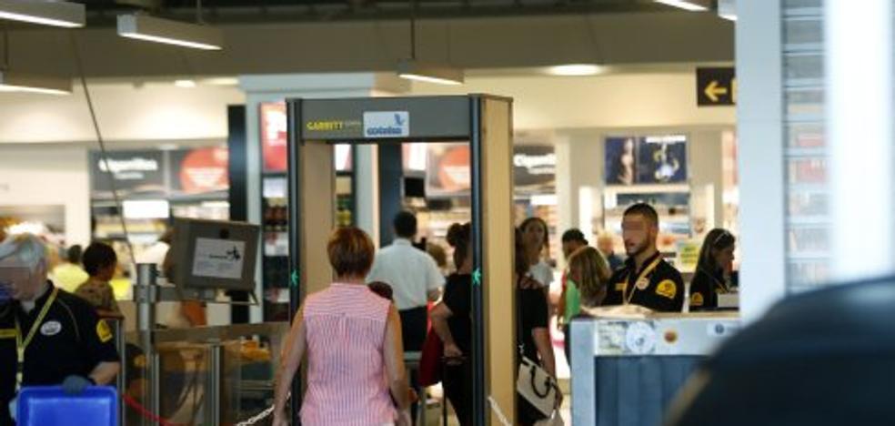 UGT decidirá mañana si convoca huelga en los aeropuertos de Valencia y Alicante