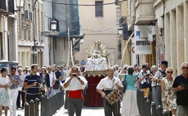 Campanas y procesión para la titular de la Seo