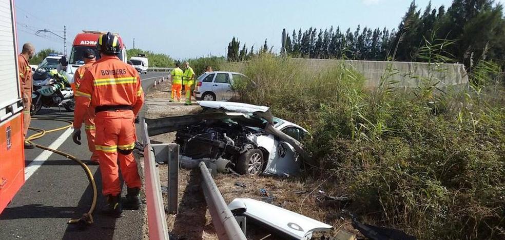Fallece un hombre tras salirse de la N-332 el vehículo en el que viajaba en Cullera
