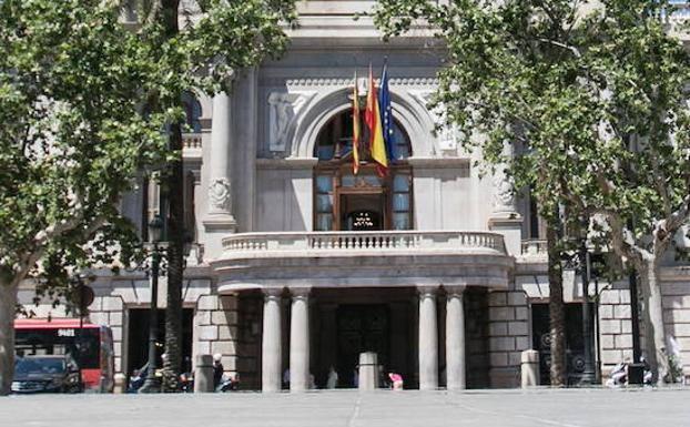 El Ayuntamiento convoca para mañana un minuto de silencio por las víctimas del atentado de Barcelona