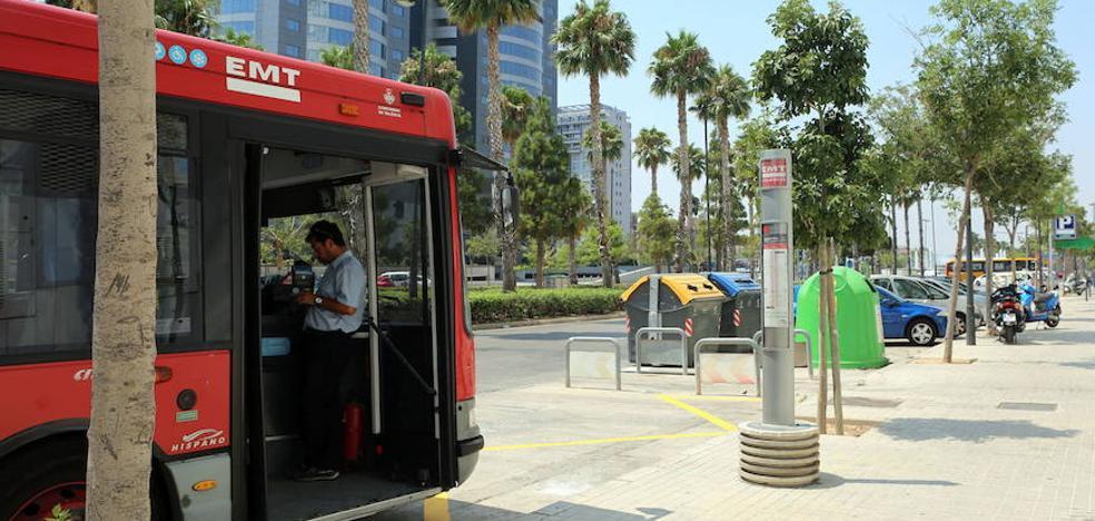 Uno de cada cuatro buses de la EMT de Valencia se queda sin salir al estar averiado
