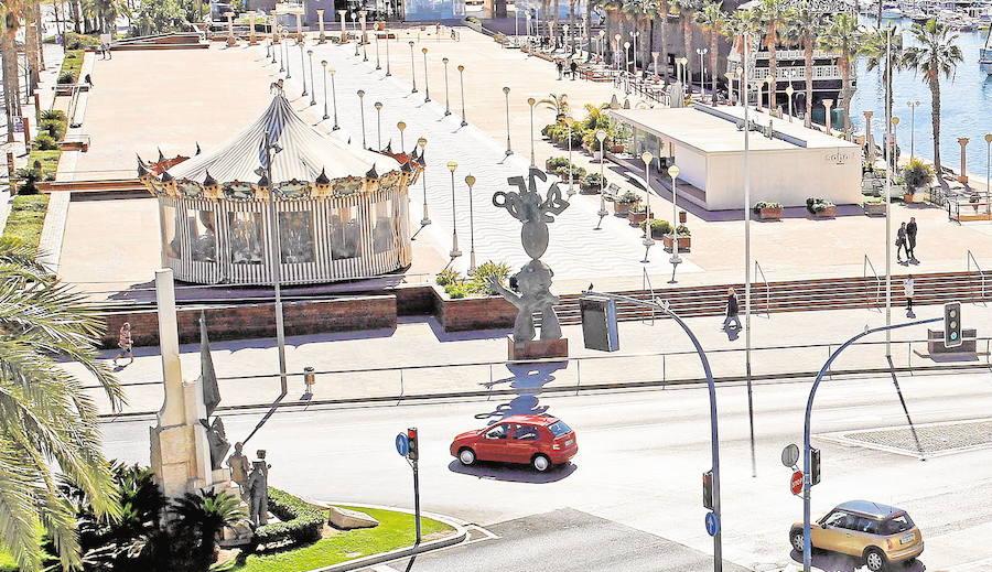 Tres jóvenes heridos por arma blanca en la zona de ocio del puerto de Alicante