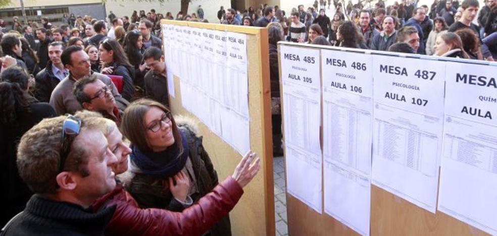 La demanda de Medicina desborda la capacidad de los centros sanitarios en la Comunitat Valenciana