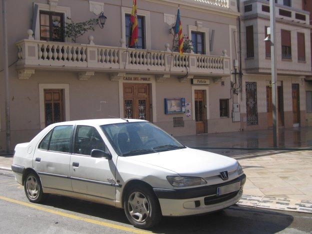 Suspenden una discomóvil en Foios tras el apuñalamiento de un joven y varias peleas