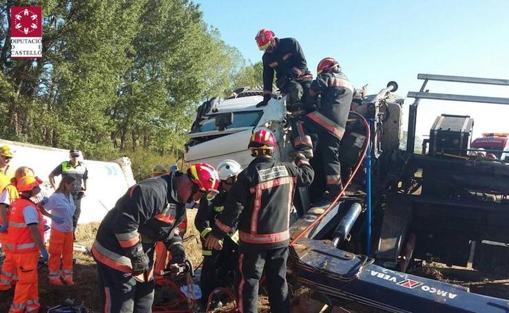 Fotos del rescate de un conductor en Castellón