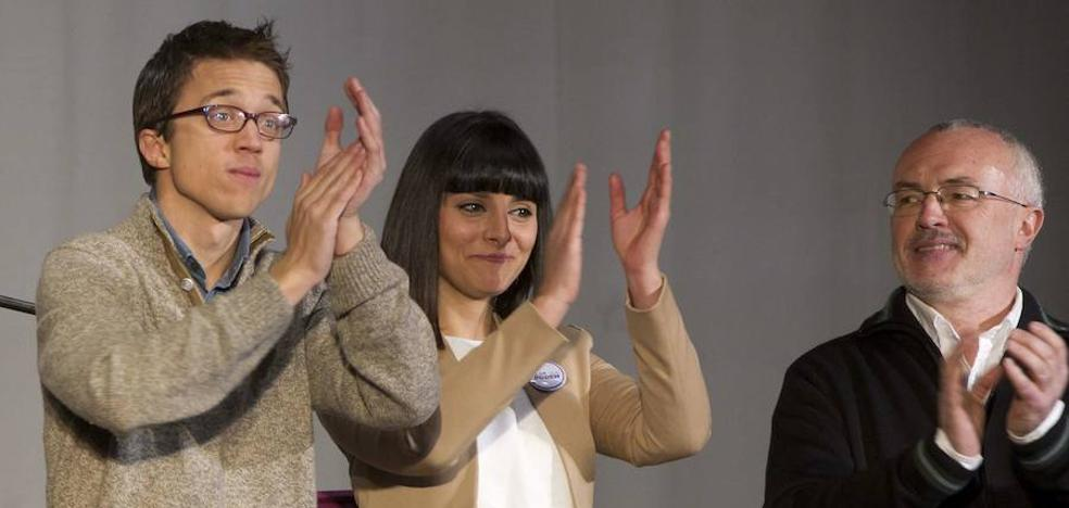 Sandra Mínguez entrega su acta de diputada en Podemos