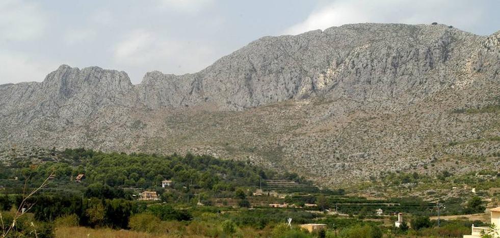Los bomberos rescatan a una mujer desorientada en la Serra de Segària