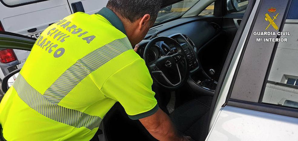 Trucaban el kilometraje y falseaban la ITV para estafar en la venta de coches en Alicante