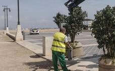 El paseo marítimo de Valencia empieza a protegerse con diez grandes maceteros
