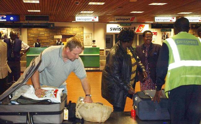 Una ONG de Castellón, tres días a la espera de volver a España de Kenia tras suspender la compañía varios vuelos