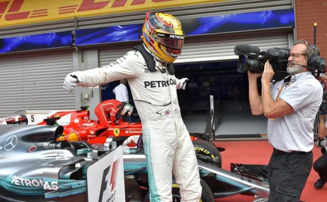 Hamilton gana con autoridad en Spa