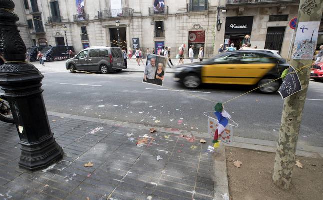 Barcelona habilita en el inicio de La Rambla un único altar tras retirar el resto
