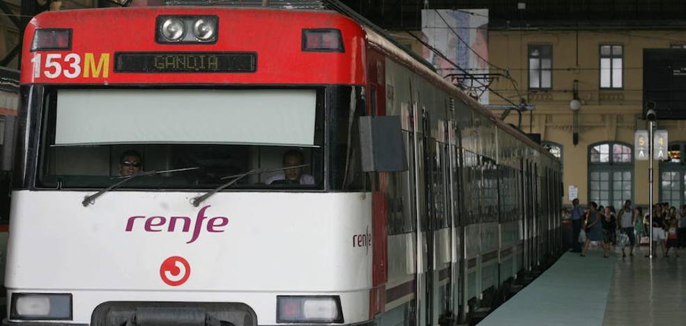 Renfe ofrece 2.000 plazas adicionales en trenes de Cercanías para asistir a la Tomatina de Buñol