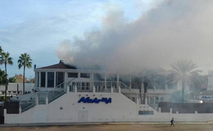 Fotos del incendio en la discoteca akuarela de Valencia