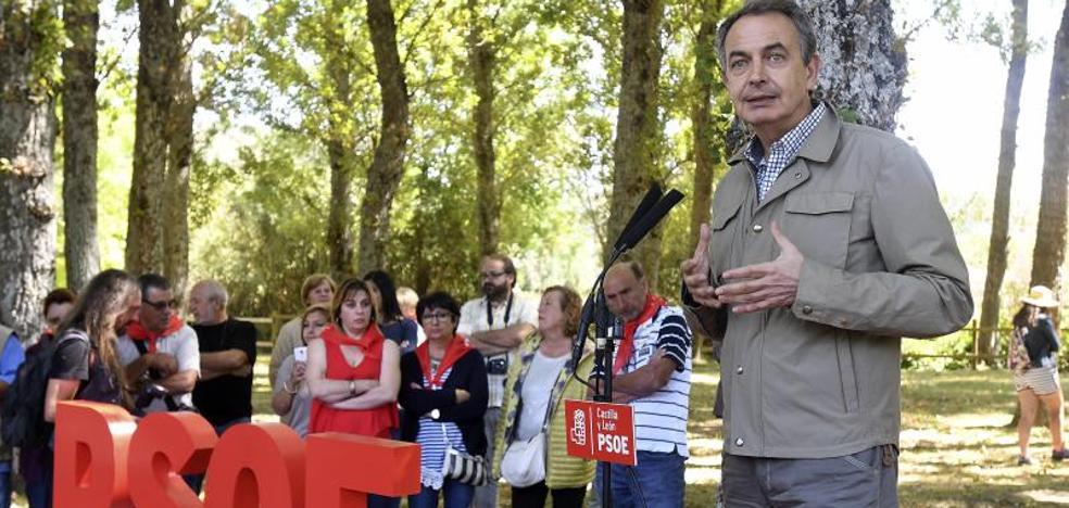 Zapatero: «Los independentistas están solos en su marcha atrás a la historia»