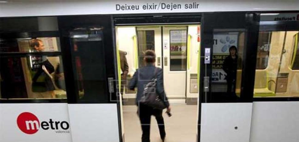 Una mujer de 77 años, herida tras ser golpeada por el metro en Paiporta