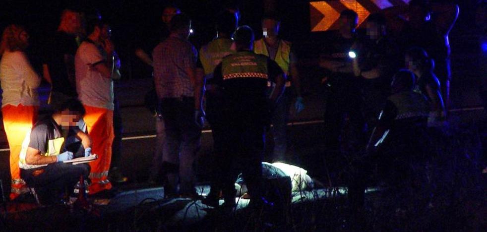 Detenido el joven que arrastraba el cadáver de una mujer en la V-30 de Valencia